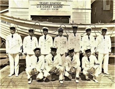 1_1948-us-coast-guard-station